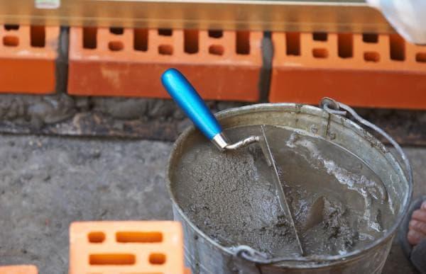 Сухая штукатурка 24 фото что это такое характеристика смеси для внутренних работ разведение раствора и отделка стен