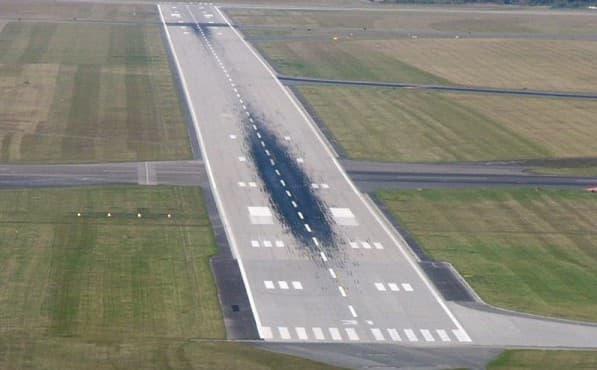 для заливки дорожных площадок на летной полосе аэродромов