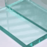 приклеить стекло на бетон