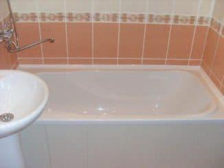 плинтус на ванну керамический