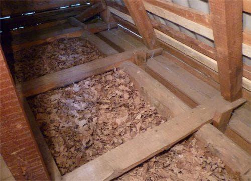 опилки для утепления чердака на крыше