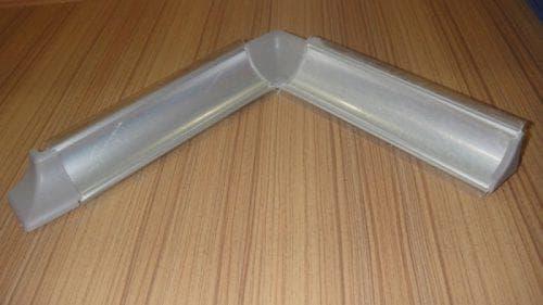напольный керамический плинтус для ванной