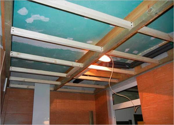 крепёж деревянных подвесов на потолок