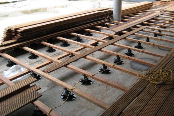 монтаж террасной доски для закрытых террас