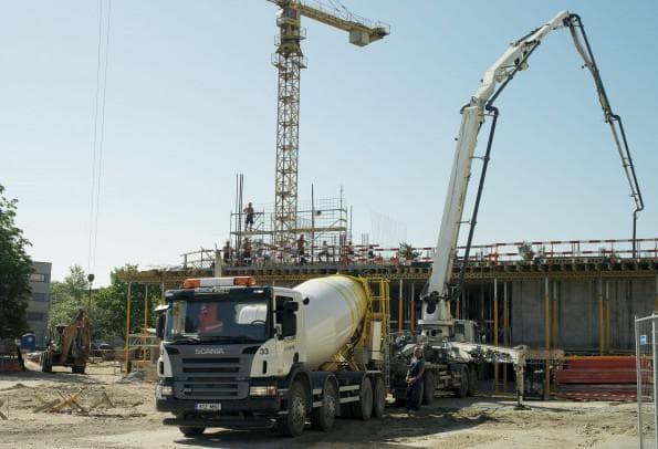 выгрузка бетона из бетономешалке