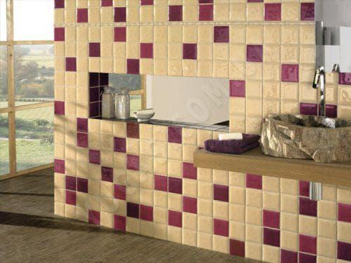 небольшая керамическая глазурованная плитка
