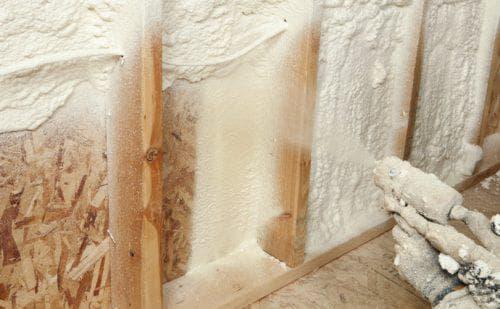 напыляемая методология пенополиуретановыми составами для каркасных стен