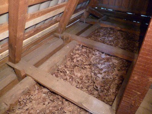 опилки для утепления на потолок в частном доме