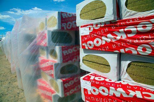 высококлассный утеплитель из базальтовой ваты марки Акустик Баттс от всемирно известного производителя Rockwool